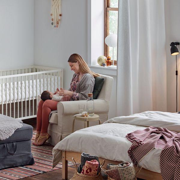 comment am nager un petit espace avec des rideaux. Black Bedroom Furniture Sets. Home Design Ideas