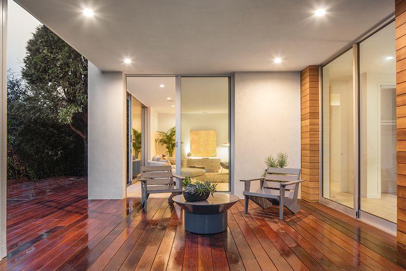 comment remplacer des volets conseils pour habiller vos fen tres. Black Bedroom Furniture Sets. Home Design Ideas