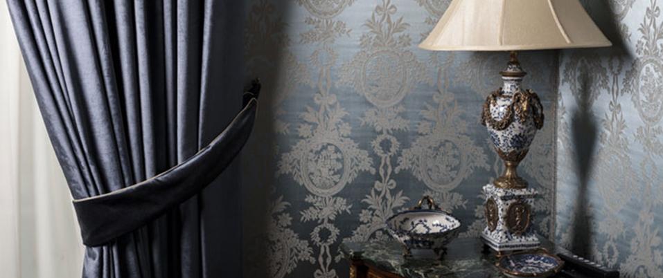 des stores et rideaux pour une ambiance baroque. Black Bedroom Furniture Sets. Home Design Ideas